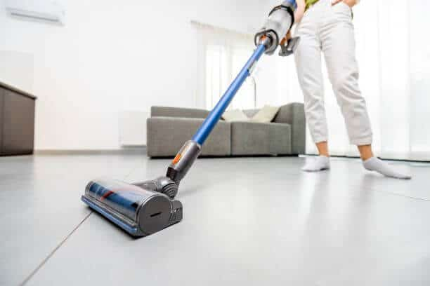 Hiring a House Cleaner vs Cleaning Company