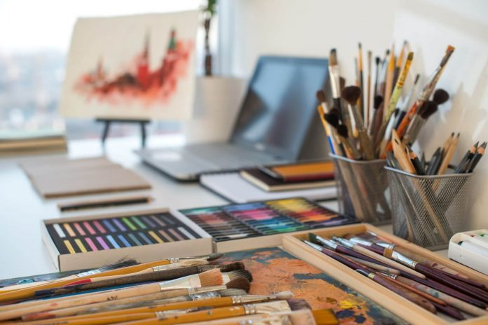 10 Creative Ways To Make An Ideal Hobby Workspace At Home